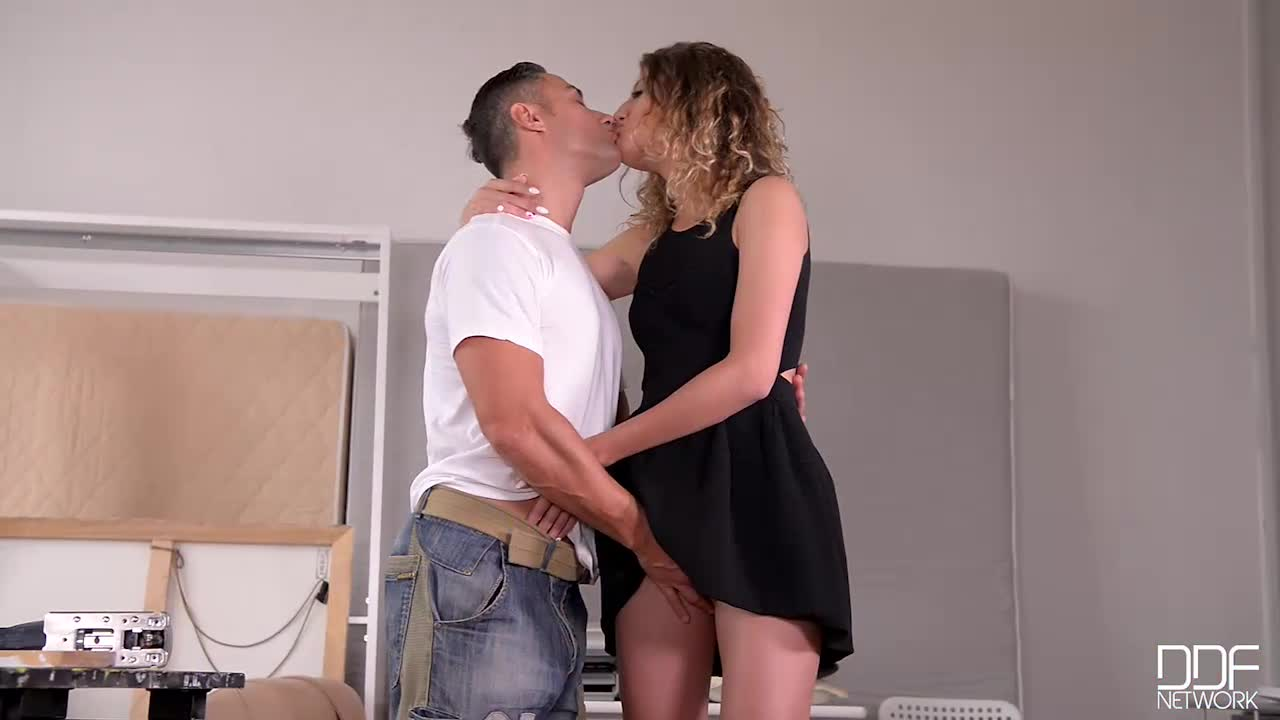 Stasy Riviera is a slim babe from Russia and just moved to Budapest. S ... - k2s.tv