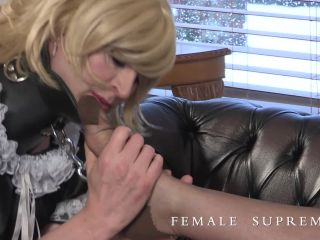 Female Supremacy – Baroness Essex – The art of foot worship