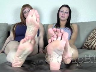 Soles fetish – Jessica G Banks, Leah Star – Stroke for Our feet