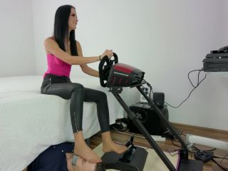 Feet slave – Polish Mistress – Pedal Pumping – Eliza Took His Game And Plays