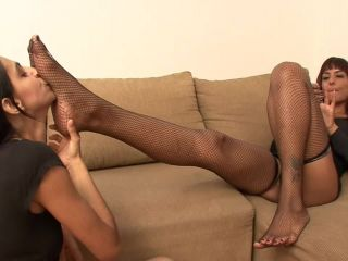 Foot submission – BRAZIL FEET – Mistress Fernanda – Under Fernanda's Feet Size 10 part 2