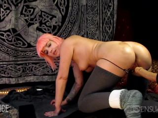 Abigail Dupree solo penetration different huge dildos in ass