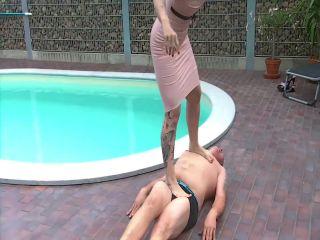 Jumping – Lady Vampira – Humiliation at the Pool