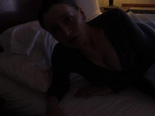 Bettie Bondage - Resolving Mom's Debt [FullHD 1080P] - Screenshot 3