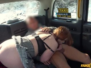 Sexy hot taxi fuck on a snowy day
