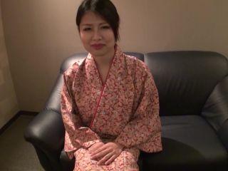 [Pacopacomama-112416 208] 働く地方のお母さん ~割烹料理店員編~ 白咲かれん