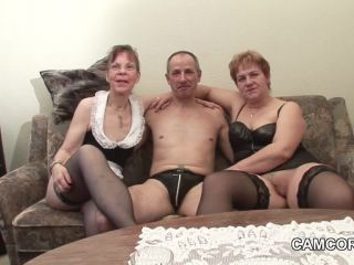 Privat Amateur Threesome - Two older women and one man
