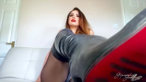 Goddess Gynarchy starring in video (Leg and Leather Boot Worship) [FullHD 1080P]