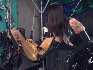Rubber mistress Miss Patricia – Hardcore Fisting