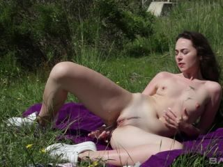Moray Moore's Massive Nipples Stay Hard As She Makes Herself Cum