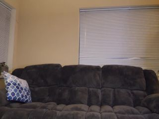 Ashley Aoki - Desperate to Pee [FullHD 1080P] - Screenshot 2