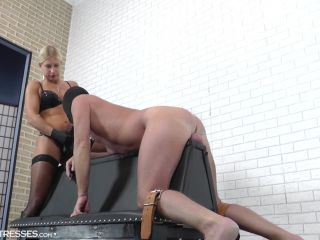 Pegging – CRUEL MISTRESSES – Suck my finger – Mistress Zita