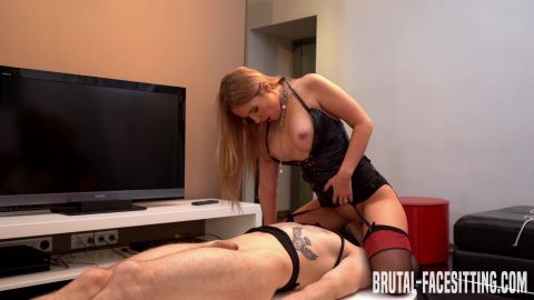 (Mistress Eva Andersen)  of (Brutal Facesitting) studio [UltraHD/4K 2160P]