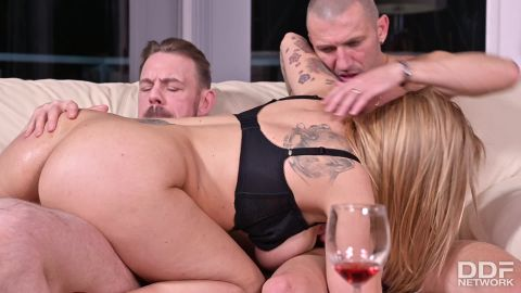 Dominno - Cucked Milf Makes A Threesome Tape To Get Back At Her Hubby [FullHD 1080P]