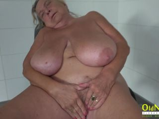 Hedwig - Chubby busty granny with old granny FullHD
