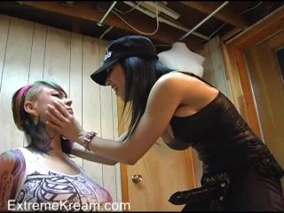 Torture Lesbos
