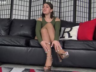 April Dawn's GFE New Years Pantyhose Footjob – The Foot Fantasy!!!