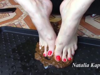 Feet in shit with socks and no [FullHD 1080P] - Screenshot 4