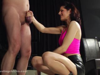 Ball Busting Chicks – Beating The Swollen Bollocks