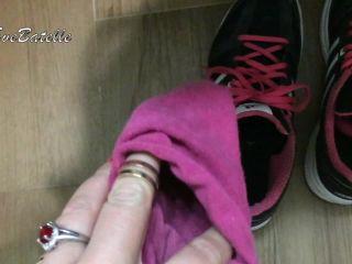 [Manyvids] Eve Batelle - Sock Smelling JOI