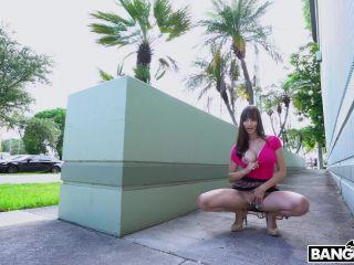 Lexi Luna – Lexi Having Wild Fun Around The City (Full HD)
