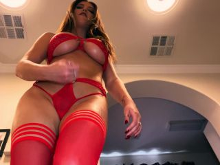 Crystal Knight – Giantess Turns You Into Her Sex Slave