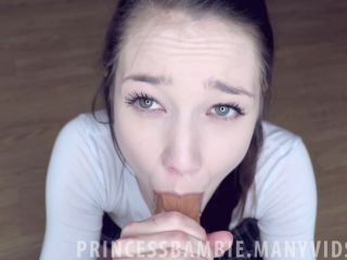 ManyVids Webcams Video presents Girl PrincessBambie in Albertos Warm Welcome
