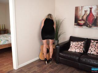BoppingBabes – Ashley Jayne – Tasty Treat