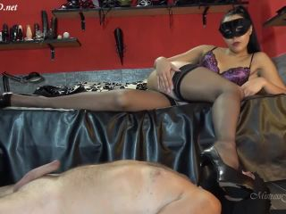 MISTRESS GAIA – SILKY FEET & THROBBING COCK | mistress gaia | femdom porn foot fetish xxx