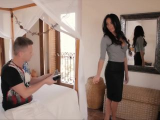 French mom anissa kate and her daughter kimber delice help make a video