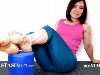 Anastasia Lust in Mesmeric Yoga Feet – $23.99