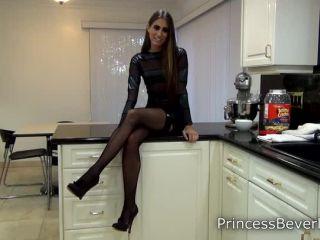 Porn online Princess Beverly - Findom Kisses femdom
