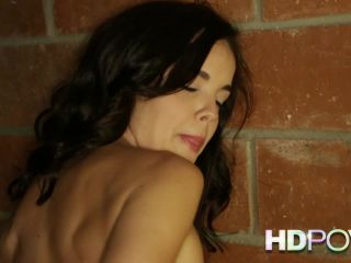 Dillion Harper 33 29, 34 07