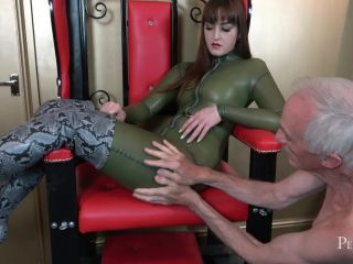 Perfect Sin – Vivienne l'Amour  –  Serve and Worship Me