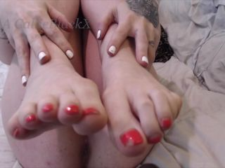 CallieBlackX – Give In To Me and Jerk It To My Feet – Foot Worship