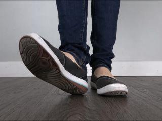 Foot worship – Miss Melissa – Old Keds Flats