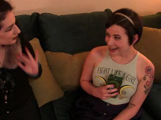 Girl Arabelle Raphael in Braces Blowjob From The Babysitter