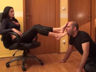Foot Domination – NATURAL BORN DOMMES MEGASTORE – ELECTRA – The Real Boss – Foot Worship And Face As Footstool