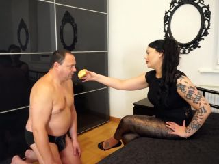 Ass Licking – Dominique Plastique – Pancake gets crushed