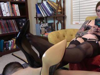 Porn tube Online video Olivia Rose - Human Furniture Foot Worship femdom