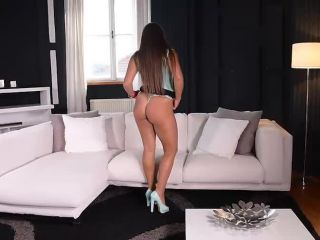 Booty Poppin' Debut