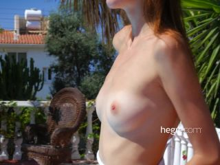 Alice Naked Vacation
