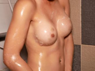 Tong - Hung Oil Creampie Massage