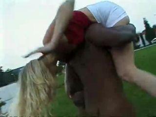 Daniella Schiffer – (Jake Steed / F.M. Video) – Little White Chicks… Big Black Monster Dicks 14 / Potere negro, 2on1, 384p, 2001 | interracial | interracial