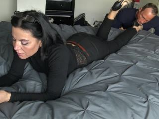 Porn online [Femdom 2019] Goddess Zephy – lunch break quicky 2: lick My shoes and Feet [Shoe Fetish, Shoeslicking, Shoe Worship, Foot Fetish, Footworship, Footlicking, Foot Licking] femdom