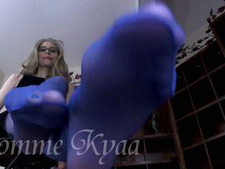 Domme Kyaa - Blue Pantyhose Feet Worship
