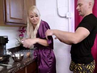 new, mature - 3901 London River in A Day with MommyFullHD