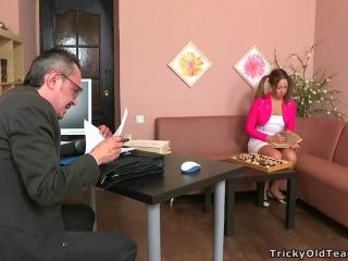 Old teacher fucks the schoolgirl with pigtails
