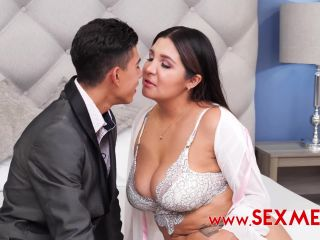 Vika Borja Mommy gives her son a graduation present – Anal
