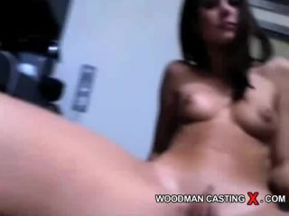 Chat with Little Caprice